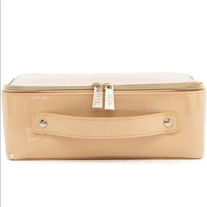 Béis The Cosmetic Case in Beige Patent
